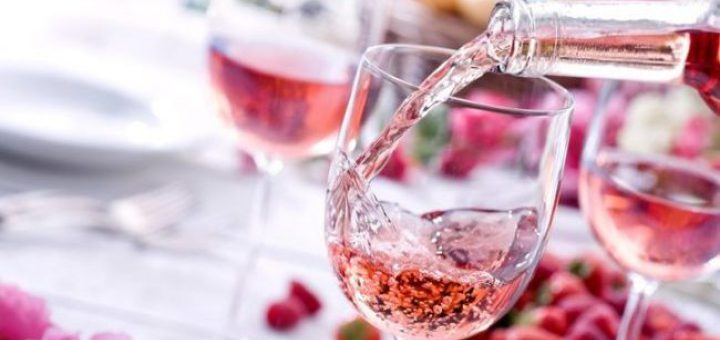 What is The Point of Rosé? A Look at This Summery Pink Drink